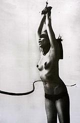 Femme fouettée - photo © Laurent Benaïm