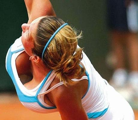 Simona Halep - tenniswoman aux gros seins