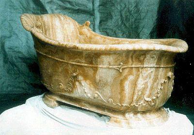 La baignoire en onyx jaune de La Païva
